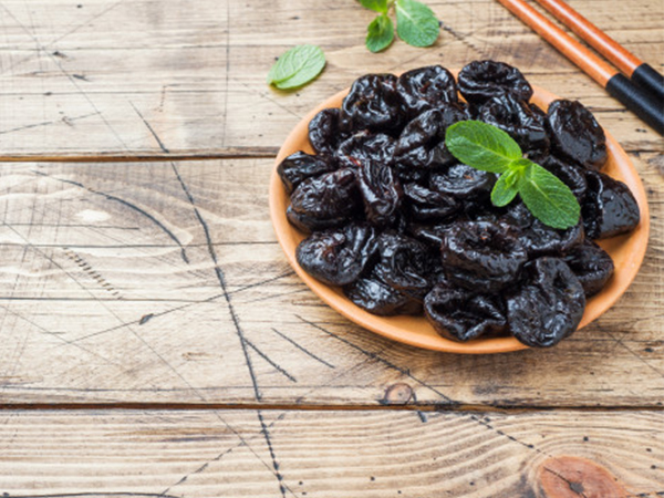 Dried plum and prune juice | Is the sugar in prunes bad for you